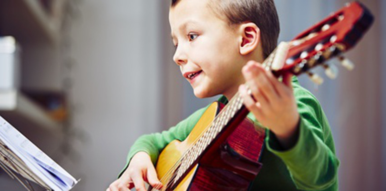 Gitarre lernen für Kinder Ludwigsburg Musikbox